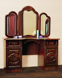 Стол туалетный с зеркалом № 1